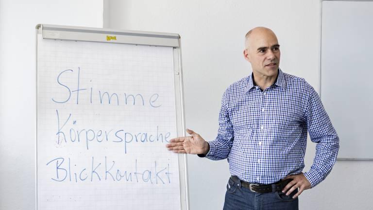 Jürgen Hall, Dozent